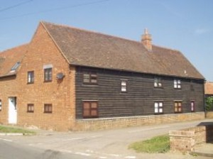 country-barn-conversion-to-rent-near-bedford