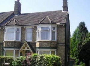 1-bedroom-flat-for-rent-in-huntingdon-stn_525